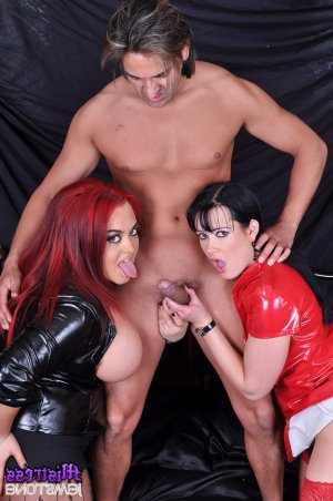 Hadidja threesome escorts in Paradise Valley, AZ
